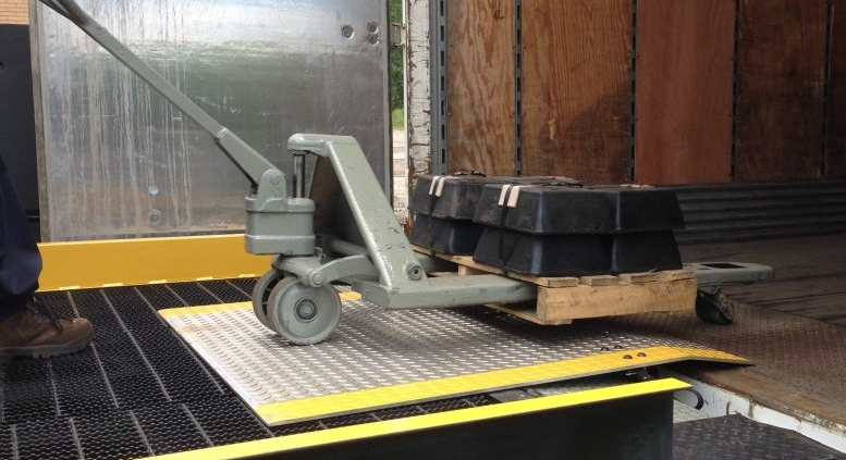 Industrial Dock Plate | Loading Dock Equipment